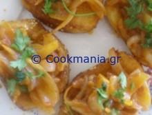 Τηγανητές μπρουσκέτες με σάλτσα κρεμμυδιών