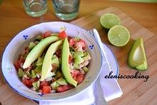 Σαλάτα με τόνο και αβοκάντο