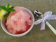 Γρανίτα λεμόνι. ναι, αλλά μια ροζ γρανίτα λεμόνι!
