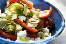Ελληνική σαλάτα λαχανικών με φέτα