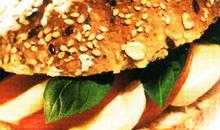 Πολύσπορο ψωμάκι με τομάτα