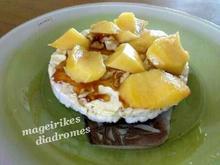 Ρυζογκοφρέτες με μέλι, καρύδια και φρούτα