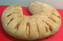 Ψωμάκι ζυμωτό με αλλαντικά και τυριά!
