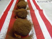 Μπαγιάτικο κεϊκ = τρούφες με γρεναδίνη