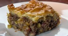 Γιορτινή πίτα με κιμά αλ καρούζο
