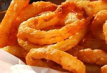 Ροδέλες κρεμμυδιού (onion rings) εύκολες και λαχταριστές.