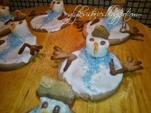 Χιονάνθρωπος που λιώνει πάνω σε σοκολατένιο μπισκότο!