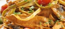 Μακαρόνια με ψάρι φιλέτο μπακαλιάρου στην κατσαρόλα