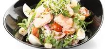 Σαλάτα με βραστό ψάρι και λαχανικά
