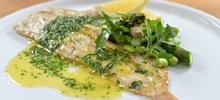 Γλώσσα ψάρι ψητή λεμονάτη στο φούρνο με διάφορα πιπέρια