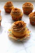 Cupcakes βανίλιας με γλάσο πάστας speculoos-μασκαρπόνε