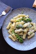 Τορτιλιόνι με μωβ broccolini, ρικότα και ξύσμα λεμονιού