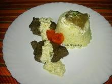 Φιλέτο καγκουρό με λευκή κρεμώδη σάλτσα μανιταριών