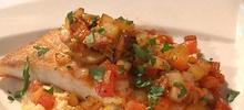 Γλώσσα ψάρι με πιπεριές και λαχανικά στο φούρνο με λαδόκολλα