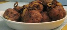 Κεφτεδάκια με κρεμμύδια στο φούρνο και σκόρδο