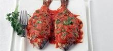 Ψάρι με σέλινο σε σάλτσα ντομάτας