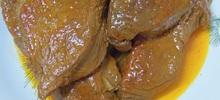 Μοσχάρι κατσαρόλας με σκόρδο και λευκό κρασί