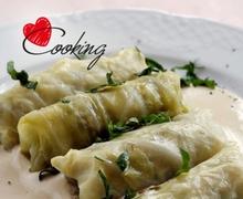 Λαχανοντολμάδες γιαλαντζί με κρέμα ταχινιού