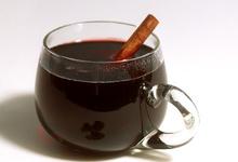 Κόκκινο ζεστό κρασί με μπαχαρικά