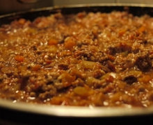 Κιμάς με caramelised onion sauce