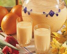 Πρωινός χυμός πορτοκαλιού με γάλα