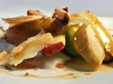 Τυρομελένια: η σαλάτα της φιλοξενίας