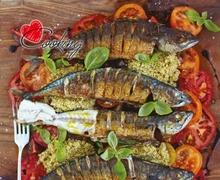 Εξαίσιο σκουμπρί, ντομάτες και κινόα σαλάτα