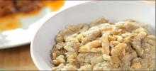 Σκορδαλιά με καρύδια και ψωμί παραδοσιακή