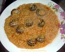 Χοχλιοί με χόντρο (στάρι) ή ρύζι.