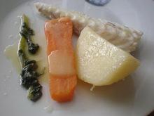 Μπακαλιάρος βραστός με λαχανικά σούπα