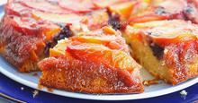 Αναποδογυρισμένο Κέικ Ροδάκινων με Γλυκό του Κουταλιού