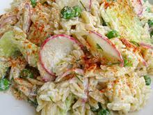 Ανοιξιάτικη σαλάτα με λαχανικά και κριθαράκι