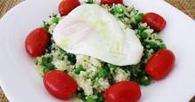 Σαλάτα πλιγούρι, αρακά και αυγό / Groat, peas, egg salad