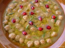 Ρεβύθια σούπα με ρόδι και δενδρολίβανο
