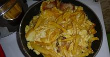 Αυγά με πατάτες στο τηγάνι