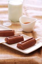 Σοκολατένια παγωτάκια με φυστικοβούτυρο - The one with all the tastes
