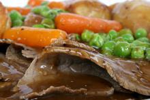 Μοσχάρι με καρότα και μπίρα στο φούρνο, με ψημένες πατάτες, απλά θεϊκό!