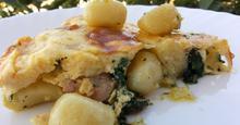 Ομελέτα φούρνου με Νιόκι πατάτας και Σπανάκι