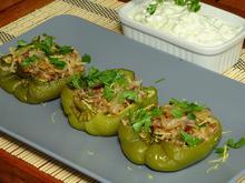 Πιπεριές γεμιστές με φακές, μπασμάτι και καραμελωμένα κρεμμύδια