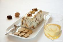 Τερίν μπλε τυριού με ξερά φρούτα και καρπούς