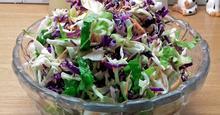 Χειμωνιάτικη Σαλάτα με Χρωματιστά Λαχανικά