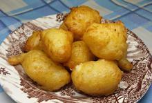 Λουκουμάδες με δύο υλικά - Συνταγές Μαγειρικής - Chefoulis