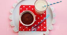 Εύκολο κέικ σοκολάτας χωρίς ζάχαρη σε 30 δευτερόλεπτα