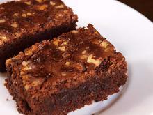 Κέϊκ με σοκολάτα και καρύδια