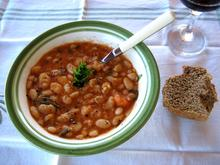 Fassolada-Greek Bean Soup/Φασολάδα η Ελληνική