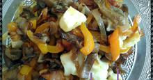 Zεστή σαλάτα λαχανικών με χαλούμι