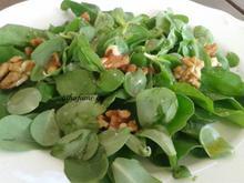 Σαλάτα γλυστρίδα, ρόκα με καρύδια