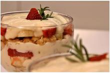 Trifle με γιαούρτι & φρούτα