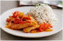 Κοτόπουλο με κόκκινες & κίτρινες πιπεριές