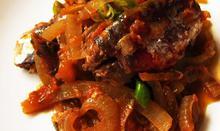 Σαρδέλες σε σάλτσα ντομάτας - Συνταγές - Νηστικό Αρκούδι - Από τον Αγρό στο Πιρούνι